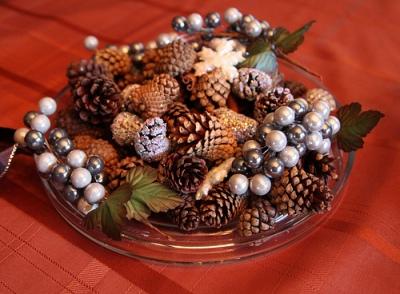 шишки для оформления праздничного интерьера