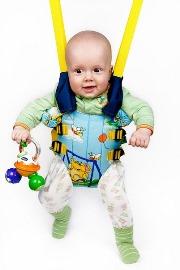 с какого возраста используют прыгунки детские  и что лучше качели или напольные