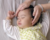 Как выглядит кривошея у новорожденных фото