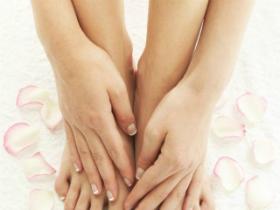 Почему отекают ноги при беременности?
