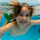 Что нужно знать при  походе с ребенком в бассейн