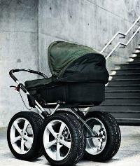 Всегда сложно купить легкую прогулочную коляску для зимы
