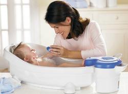 При какой температуре купать новорожденного?